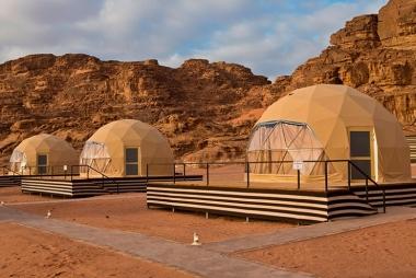 Тент-палатка на металлическом каркасе Geo6